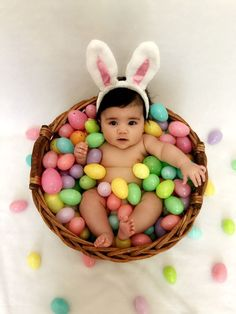 New baby pictures monthly first birthdays ideas - - . New Baby Pictures, Baby Girl Photos, Newborn Photos, Easter Pictures For Babies, Holiday Pictures, Babies Pics, Maternity Photos, Baby Monat Für Monat, Monthly Baby Photos