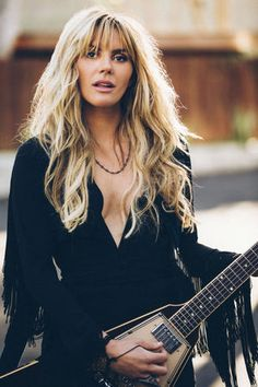 Grace Potter. Wow, she really resembles Stevie Nicks here.