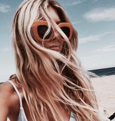 New hair blonde beach sunglasses 58 Ideas Hair Inspo, Hair Inspiration, Summer Hairstyles, Cool Hairstyles, Soho Style, Beach Hair, Beach Blonde, About Hair, Summer Vibes