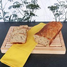 Die Kornspitz von Brigitte Latraner schmecken richtig lecker, aber den Teig machen, nur damit am Ende läppische vier Kornspitz rauskommen. Also habe ich das Rezept leicht abgewandelt und einen Brotlaib daraus gemacht. Korn, Low Carb, Bread, Blog, Proper Tasty, Recipies, Brot, Blogging, Baking
