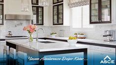 Mutfağınızda cam kapaklı dolaplar ve açık raflar şık bir görünüm sağlar. #dekorasyonfikirleri
