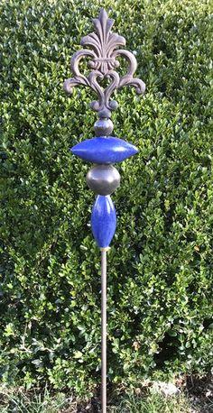 Gartendekoration - Stele Schnörkel Blau Keramik Unikat Frostfest - ein Designerstück von Kleine-Toepferei bei DaWanda