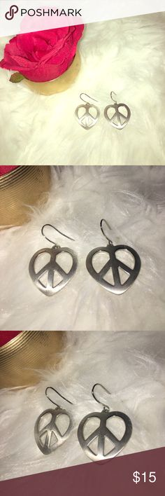 ☮️💗🌈Silver-toned Heart Peace Sign Earrings🌈💗☮️ These are darling!! Spread peace AND love at the same time with these silver-toned, heart-shaped, peace sign earrings! Vintage Jewelry Earrings
