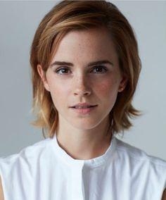 833 отметок «Нравится», 16 комментариев — Emma Watson (@watsoneeds) в Instagram: «I love her with short hair  #qotd what Hogwarts house are you?  #aotd Ravenclaw  #emmawatson»
