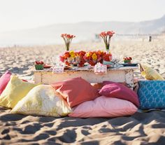 beach styled engagement shoot sweetheart table setting