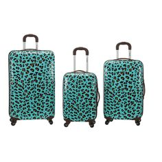A refreshing blue background is decorated with a fierce leopard print to add style to this three-piece luggage set.