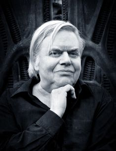 photo by Annie Bertram H. Giger, the Swiss surrealist painter, sculptor and set designer best known for his incredible design work on the Alien films, Giger Art, Hr Giger, Star Wars, Alien Art, Futuristic Art, High Fantasy, Unique Photo, Art Images, Science Fiction