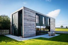 Louisa and Simon Cohn have replaced a derelict bungalow with an award-winning contemporary home in rural Oxfordshire