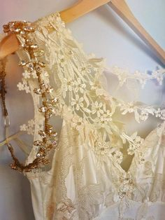 Pretty wedding dress gown, gold and crystal headband // Bridal Gowns, Wedding Dresses, Pearl And Lace, Linens And Lace, Romantic Lace, Cream And Sugar, Milk And Honey, Shades Of White, Antique Lace