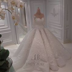 Dress how you wanted to be.... #jacykay #jacykayofficial #hautecouture #wedding #weddinginspiration #weddingdress  #mydubai #dubai #uae