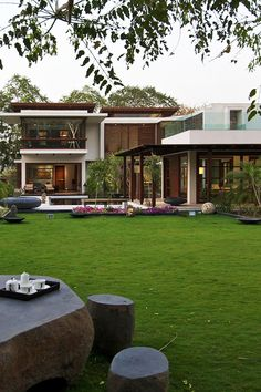 Awesome house.Amazing house, luxury, modern, awesome. Casa increible, lujosa, moderna, espectacular.