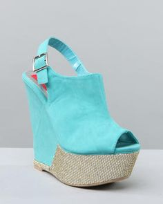 Perfect to go with the eclectic leggings and a pastel shirt, maybe yellow?