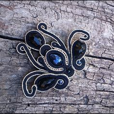 Shibori, Soutache Jewelry, Beaded Necklaces, Beaded Embroidery, Jewerly, Diy And Crafts, Handmade Jewelry, Beads, Beading