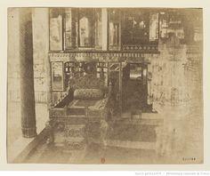 [Téhéran. Trône ordinaire dans l'Otak e-Gulistan. Oeuvre de Luigi Pesce] : t. 1 | Gallica