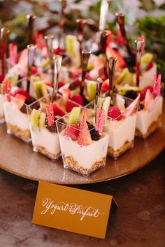As we head into more summer events, we wanted to get creative with our go-to brunch dishes! These are the best creative brunch bites for your next party. # Food and Drink ideas bridal shower Creative Brunch Bites for Your Next Party - Inspired By This Dessert Party, Snacks Für Party, Brunch Party Foods, Tea Party Desserts, Pink Dessert Tables, Brunch Party Decorations, Brunch Decor, Wedding Shower Decorations, Brunch Drinks