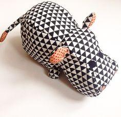 Kuscheltiere - Stofftier Nilpferd Rock Frieda - ein Designerstück von MiraundEvelyn bei DaWanda