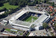 aerial-view-of-preston-north-end-fc-deepdale-stadium-CW2YG1.jpg (640×436)
