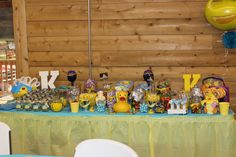 Duck Candy Table