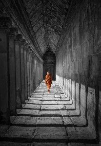 now and zen Angkor Temple, Angkor Wat, White Photography, Street Photography, Miguel Angel Garcia, Meditation, Little Buddha, Buddhist Monk, Foto Art