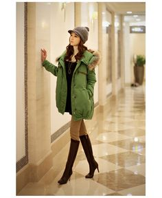 Free Shipping Ivory And Green Down Coat Fur Hood Design,White Duck Women Down Parkas Outerwear Coats Warm Thickening Winter Clothing Retail.Only need $160.06.Filler: 81%-90% white duck down.Material:high density kam cotton + 100% polyester fiber.Size:S/M/L/XL.