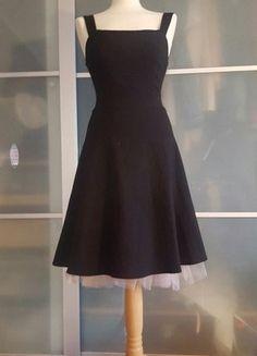 Kup mój przedmiot na #vintedpl http://www.vinted.pl/damska-odziez/krotkie-sukienki/18412969-czarna-sukienka-retro-roz-s-roz3
