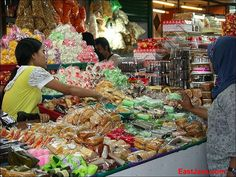 Cakes...Cakes...Cakes @ Blauran market - Surabaya - East Java - Indonesia