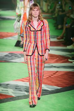 ddd559cac6fd49 Gucci Runway Milan Fashion Week