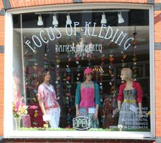 Een wekelijks bezoekje aan de tweedehandswinkel Focus aan het Diezerplein levert vaak wel iets leuks op.
