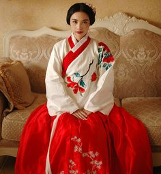 Hanfu of Ming dynasty by williswong.deviantart.com on @DeviantArt