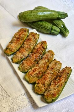 Ricetta zucchine ripiene vegetariane--ITALIA by Francesco -Welcome and enjoy- frbrun Veggie Recipes, New Recipes, Vegetarian Recipes, Favorite Recipes, Healthy Recipes, Slow Food, Vegetable Dishes, Zucchini Vegetable, Italian Recipes
