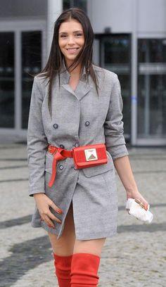20b825ebea429 Jakie torebki listonoszki wybierają celebrytki  - PUDELEK. Karola · fashion  · Halejcio zrezygnuje z kariery dla faceta