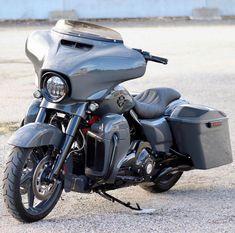 Harley Davidson News – Harley Davidson Bike Pics Harley Davidson Museum, Harley Davidson Fatboy, Harley Davidson Street Glide, Harley Davidson Motorcycles, Harley Davidson Pictures, American Motorcycles, Motorcycle Garage, Old Bikes, Bike Life