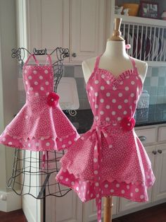"""Mom and Daughter Aprons 