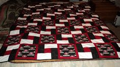49ers quilt - Love the colors  block combos