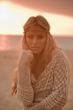 In case you also prolonged to be a hippies goddess, ensure you know all of the policies and design information on how to choose the boho-chic fashion trend! Hippie Style, Mode Hippie, Bohemian Style, Boho Chic, Bohemian Hair, Ibiza Style, Cali Style, Boho Girl, Boho Gypsy