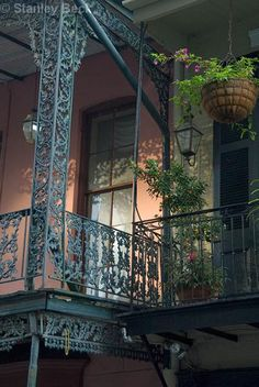 New Orleans is renowned for its steel balconies which dangle above the city streets. is perhaps most famous for this design. Visitors frequently travel to Royal St. to peruse rare antique wares that are truly one of a kind. New Orleans Homes, New Orleans Louisiana, Tennessee, House Of The Rising Sun, New Orleans French Quarter, Crescent City, Plantation, Wrought Iron, Colonial