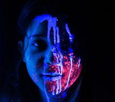 Those pictures were made for the upcoming photography and poetry Brazilian E-book named Aquarelas Cor de Vento  ( Wind Color Paintings).  #Nude #Photography #Fine #Art, #Neon, #Black #Light, #UV, #Flower, #Colorfull, #AquarelasCordeVento, #INregrados