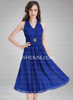 A-Line/Princess V-neck Knee-Length Chiffon Bridesmaid Dress With Ruffle Crystal Brooch (007021104)