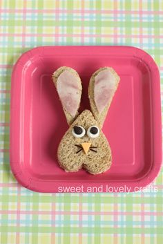 sweet and lovely crafts: fun Easter sandwiches Easter Lunch, Hoppy Easter, Easter Party, Food Art For Kids, Cooking With Kids, Kid Sandwiches, Easter Recipes, Easter Ideas, Fun Recipes