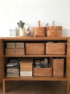 Closet Organisation, Home Organization, Interior Styling, Interior Decorating, Interior Design, Tiny Apartment Living, Japanese Kitchen, Minimalist Room, Organizing Your Home