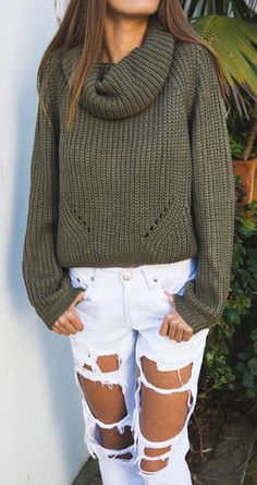 Slouchy sweater & ripped jeans