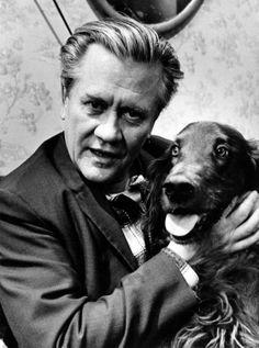 Hannes 'Hanski' Häyrinen, alk. Johan Erik Högdahl (25.4.1914 - 21.12.1991), oli koko Suomen kansan rakastama koomikko. Good Old Times, Old Toys, Finland, Childhood Memories, Movie Stars, Movie Tv, Tv Series, Nostalgia, Old Things
