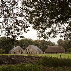 Rural Courtyard / Erve Oostermaet, Ziegler   Branderhorst. #rural #woonerf #barnhouse