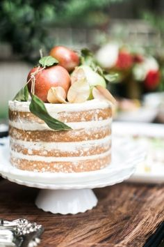 Fall themed naked cake: http://www.stylemepretty.com/2014/11/28/autumn-al-fresco-bridal-shower/ | Photography: Kathryn McCrary - http://www.kathrynmccrary.com/