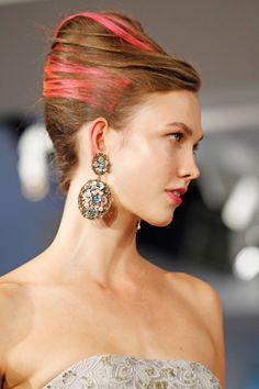 #Trend: Dangle #Earrings, Oscar de la Renta. View the full Spring Fashion 2013 Guide here: http://www.fashionmagazine.com/blogs/spring-fashion-2013/
