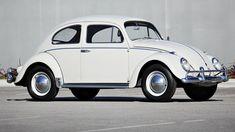 Fusca 1960 tem lance de R$ 438 mil e estabelece novo recorde em leilão. É a maior quantia já oferecida pelo modelo da Volkswagem em eventos ao redor do mundo.