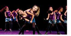 O evento conta com a participação de 2.698 bailarinos de três a 14 anos nas10 sessões em que crianças e adolescentes levarão ao palco 152 coreografias de balé, 12 danças urbanas, 56 em estilo livre, 60 de jazz e um sapateado, sendo 87 na categoria baby (três a seis anos), 159 na infantil (sete a …