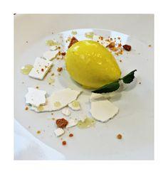 Cheesecake de limón   #lemoncheesecake #weddingdessert #eventos #Reposteriafina #dessert #Postrealplato