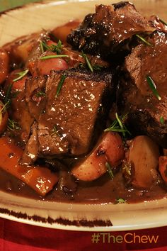 What is better then a nice, hearty Yankee Pot Roast made by Mario Batali? Pot Roast Recipes, Entree Recipes, Meat Recipes, Crockpot Recipes, Cooking Recipes, Healthy Recipes, Oven Cooking, The Chew Recipes