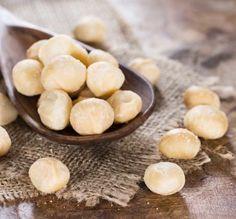 Un guscio durissimo e un sapore tenero  #guscio #macadamia #nuts #noci #noce #walnut #food #fruttaebacche